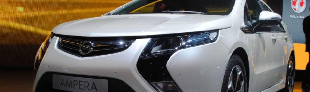 Elektrische Opel Ampera auto van het jaar 2012