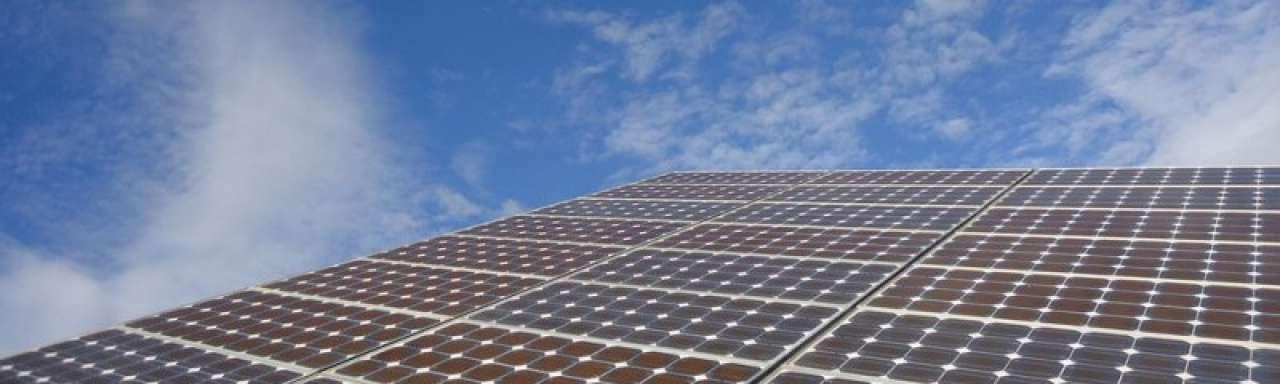Zonne-energiebranche pleit in Brussel tegen heffingen