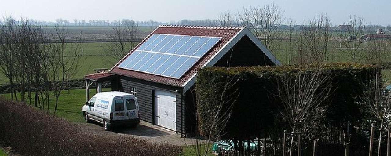 Eigenaren zonnepanelen moeten btw betalen