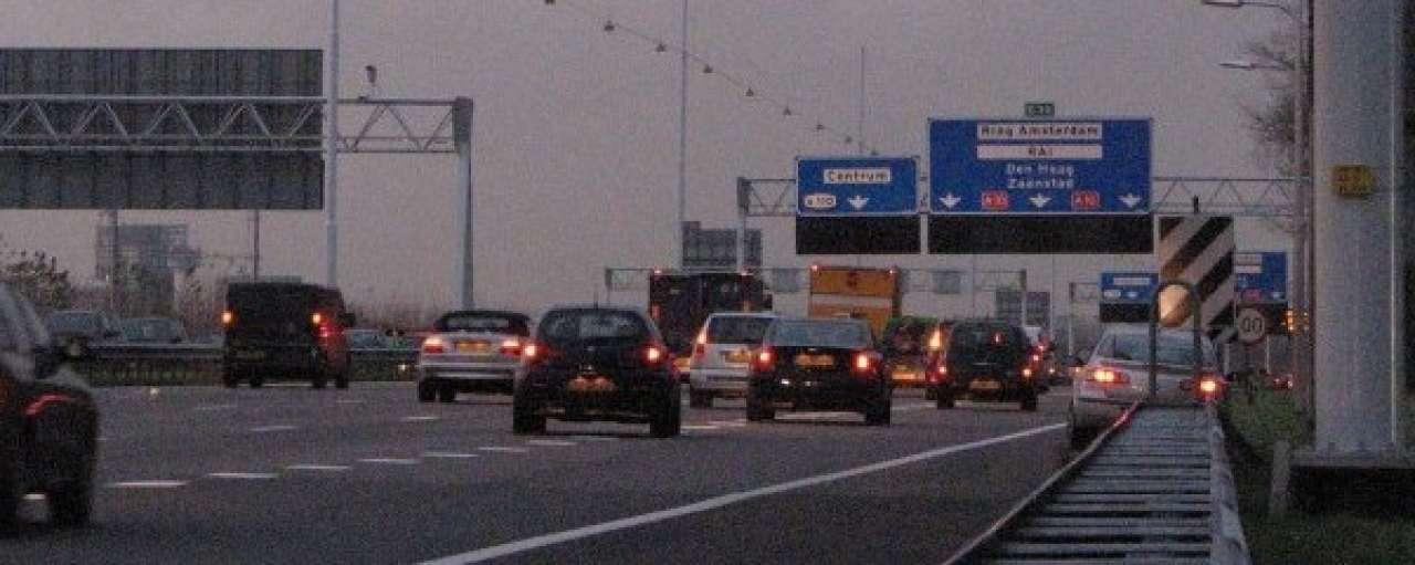 Snelheidsverhoging A10 kost Amsterdammer 79 dagen van leven