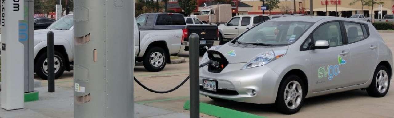 Aantal elektrische auto's overstijgt aantal oplaadpunten