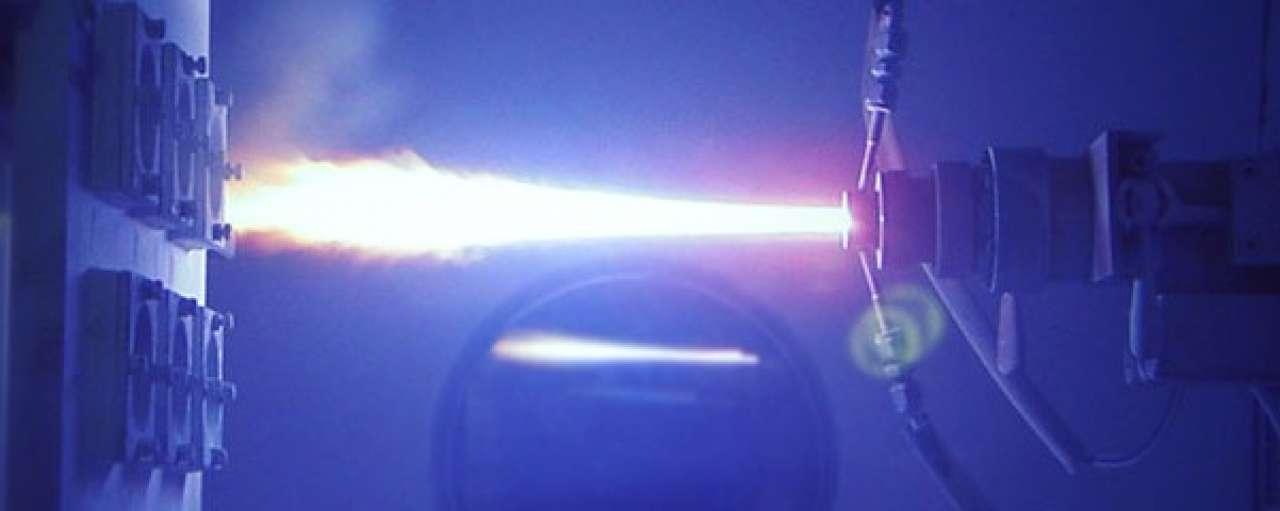 Nanodeeltjes op vliegtuigmotoren verhogen efficiëntie