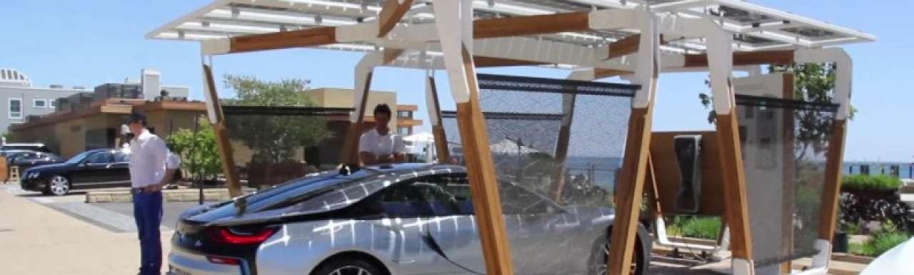 High-tech zonnecarport voor de BMW i8