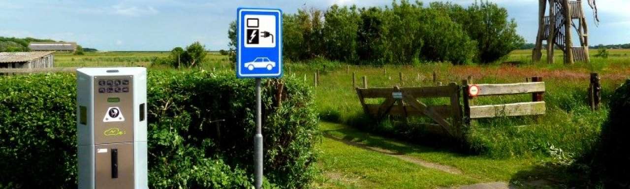ANWB: 'openbaar laden elektrische auto te duur'