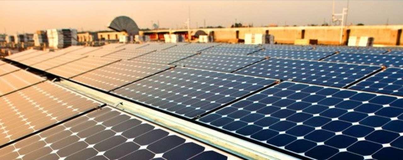 Elon Musk bouwt eigen fabriek voor zonnepanelen