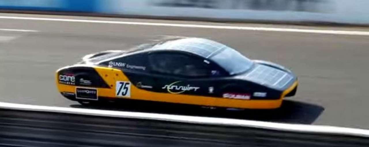 Zonne-auto breekt snelheidsrecord