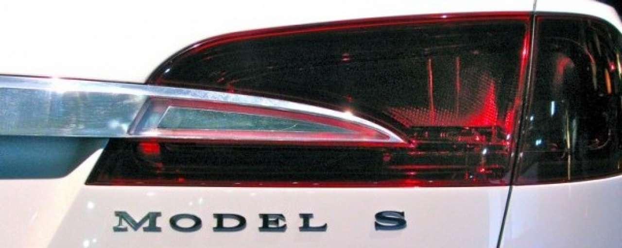 Tesla zoekt hackers voor beveiliging elektrische auto