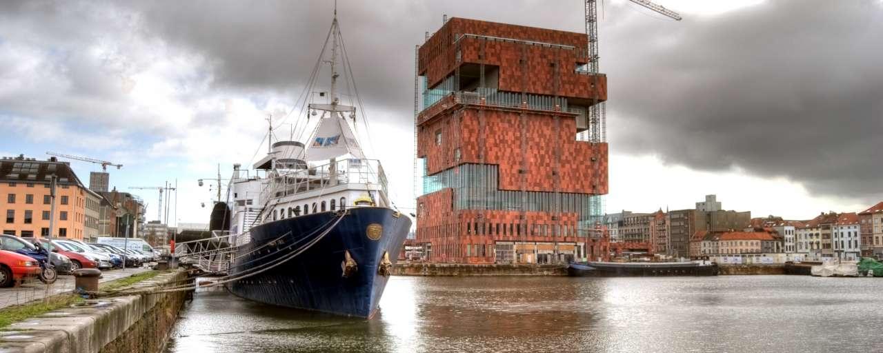 Haven Van Antwerpen Verwelkomt Elektrische Schepen