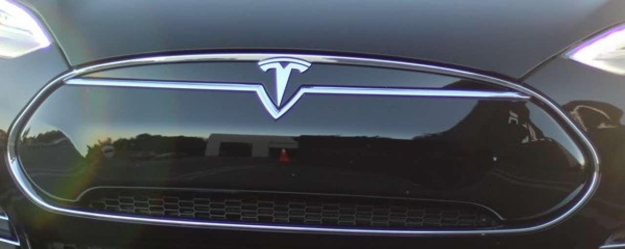 Tesla Model D: de S met vierwielaandrijving