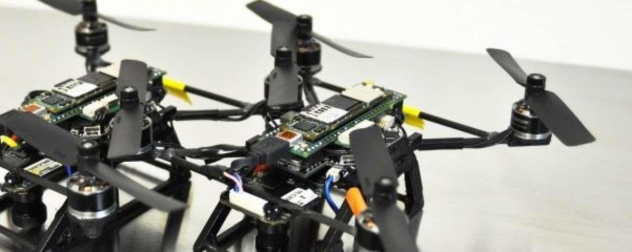 Kleine drones zien en zwermen als insecten