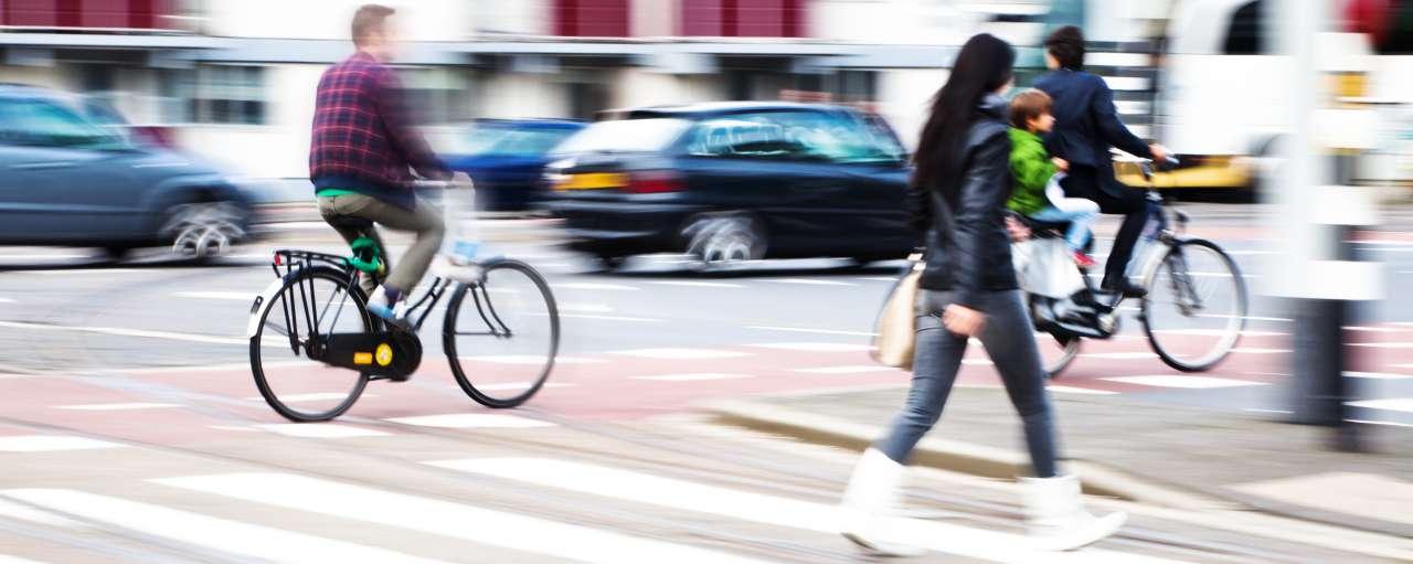 voetganger, fietser, stad, drukte, verkeer