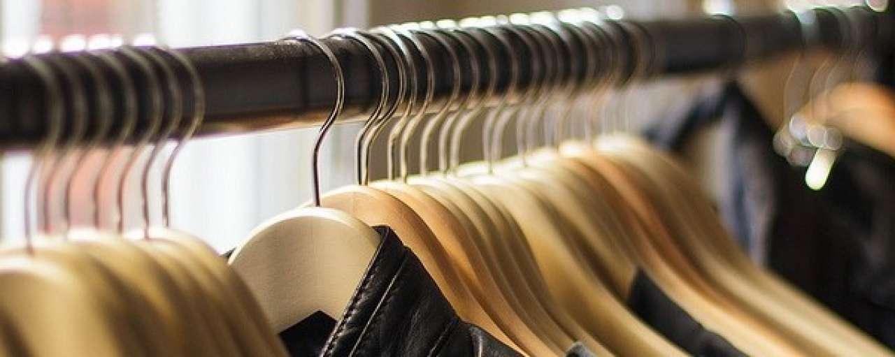 Duurzame kleding lenen bij de bibliotheek