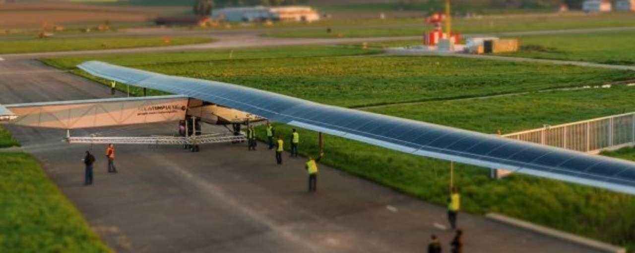 Laatste voorbereidingen voor zonnevliegtuig