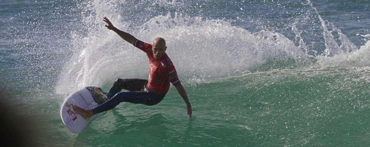 Surficoon Kelly Slater lanceert duurzame kledinglijn