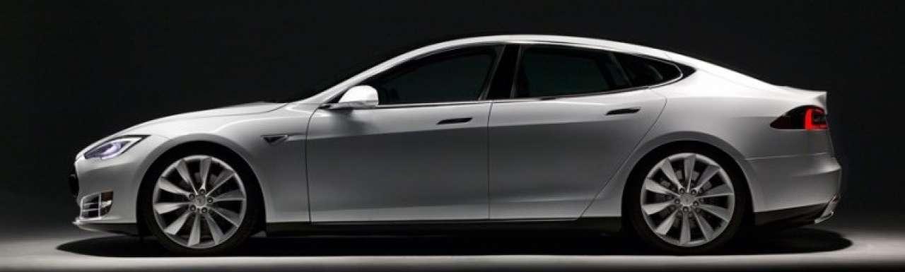 Grootste autodealer VS flirt met Tesla