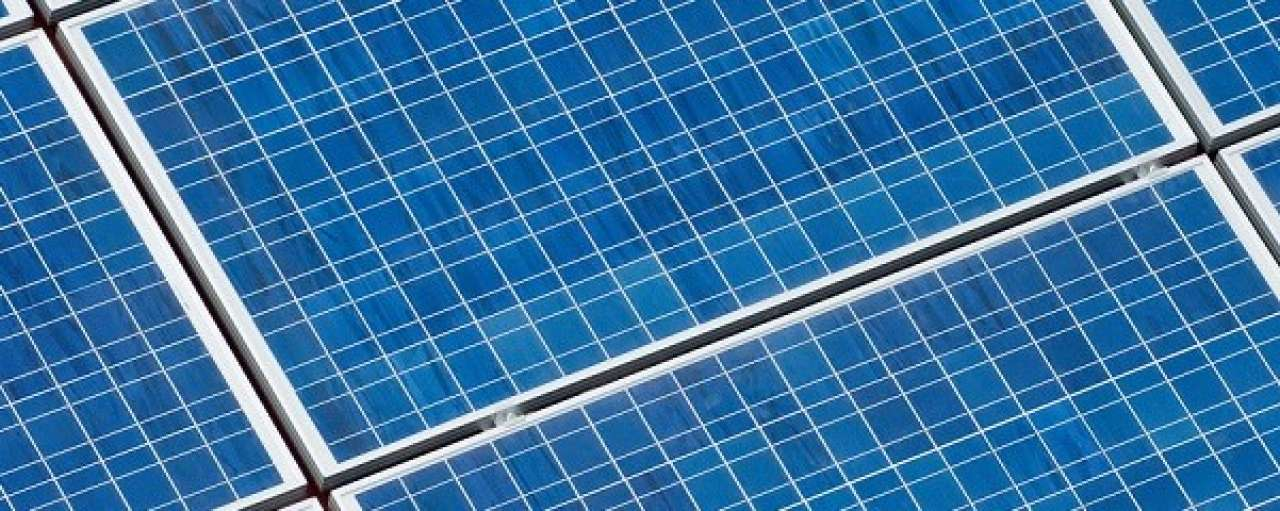Grootste zonnepark ter wereld operationeel