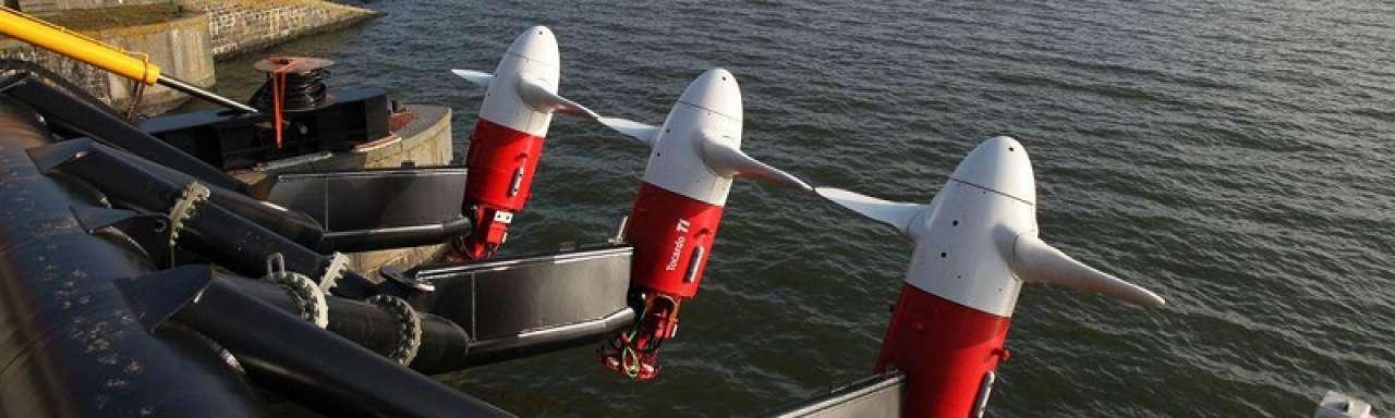 Drie nieuwe getijdenturbines aan de Afsluitdijk