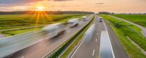 mensenrechten, vrachtwagens, transport en logistiek sector