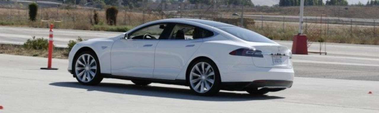 Een leven lang gratis elektrisch tanken bij Tesla