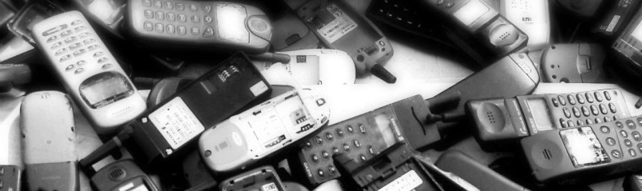 Mobiel bellen steeds minder gevaarlijk