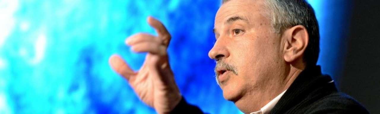 Thomas Friedman: Zonnepanelen zo goedkoop als tennisschoenen